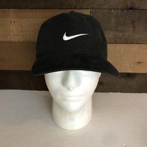 Vintage Nike swoosh black hat Strapback